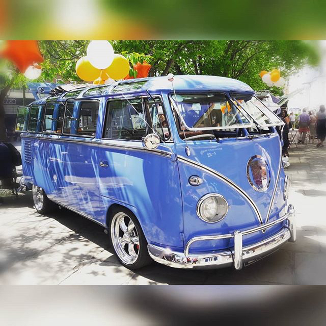 Looking for your dream VW bus? Buy it or build it?! You have a choice…
